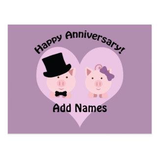 Cartão Postal Casal feliz do porco do aniversário