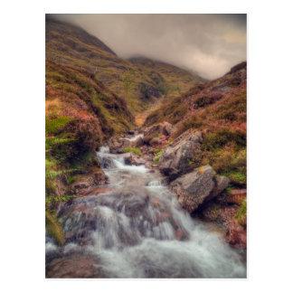 Cartão Postal Córrego escocês da montanha