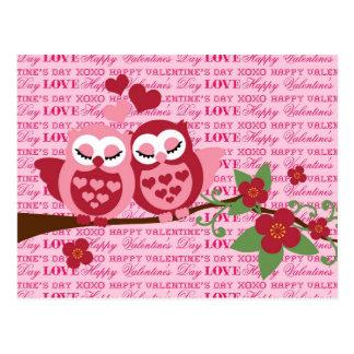Cartão Postal Corujas bonitos em presentes do feliz dia dos
