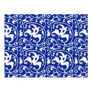 Cartão Postal Damasco floral de Ikat - azuis cobaltos e branco
