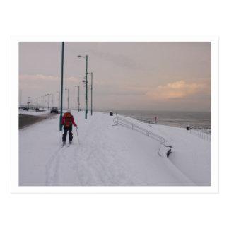 Cartão Postal Esquiador pela praia