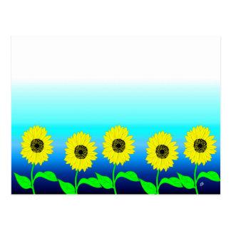 Cartão Postal Fileira amarela brilhante dos girassóis