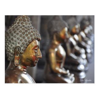 Cartão Postal Fileira de esculturas de Buddha