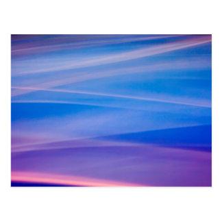 Cartão Postal Fugas claras da cor do abstrato da pintura