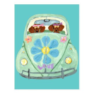 Cartão Postal Hippys do Dachshund em seu móbil do amor da flor