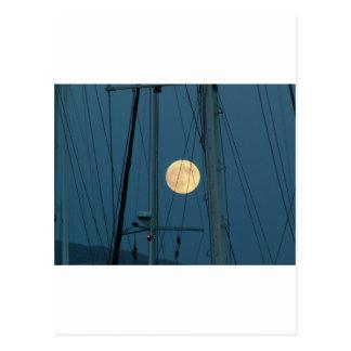 Cartão Postal Lua cheia sobre um porto