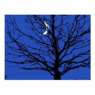 Cartão Postal Moonscape nos azuis cobaltos e no preto
