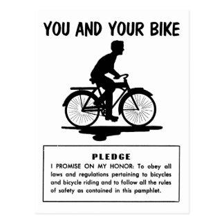 Cartão Postal O kitsch retro do vintage Bicycles o e sua