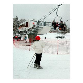 Cartão Postal Olhando o elevador de esqui