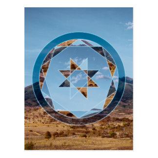 Cartão Postal Paisagem abstrata com formas geométricas