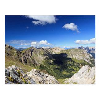 Cartão Postal Paisagem das dolomites no verão