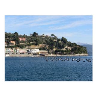 Cartão Postal Paisagem de Golfo Dei Poeti com sua fazenda do