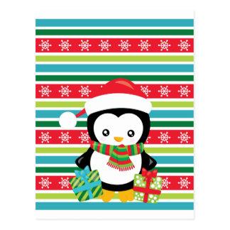 Cartão Postal Pinguim do presente em fundo listrado do floco de