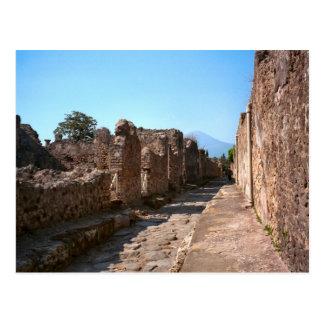 Cartão Postal Pompeii, rua Cobbled com passeio alto