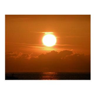 Cartão Postal Por do sol e barco