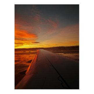 Cartão Postal Por do sol na asa do avião