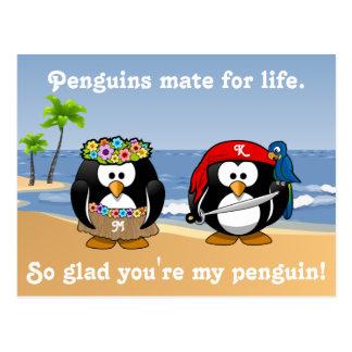 Cartão Postal Praia tropical da ilha do pirata de Hula do casal