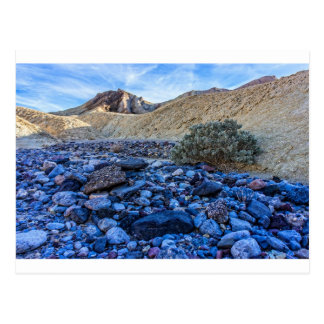 Cartão Postal Riverbed e paisagem secos
