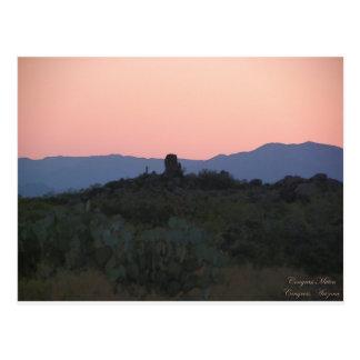 Cartão Postal Silhueta do por do sol do mitene do congresso