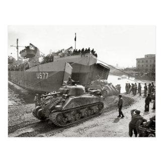 Cartão Postal Tanques de Sherman da segunda guerra mundial que