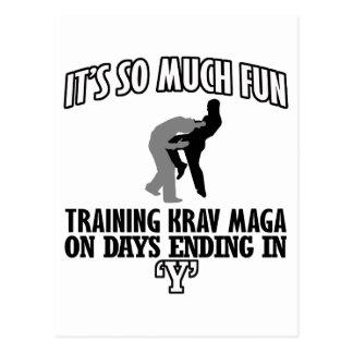 Cartão Postal Tendendo o design de Krav Maga