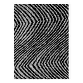 Cartão Postal Teste padrão de ziguezague preto & branco