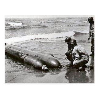Cartão Postal Torpedos    da segunda guerra mundial na praia,