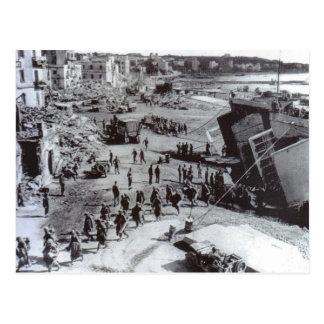Cartão Postal Tropas    que desembarcam, Anzio da segunda guerra