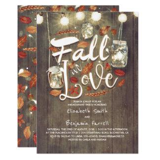 Cartão Queda na festa de noivado rústica do amor