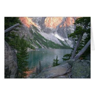 Cartão Região selvagem alpina dos lagos