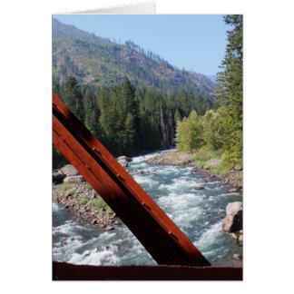 Cartão Rio de Wenatchee da ponte velha do encanamento do