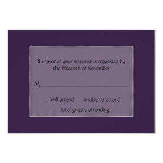 Cartão roxo e de prata multifacetado da resposta convite personalizado