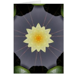 Cartão Simetria do lírio de água amarela