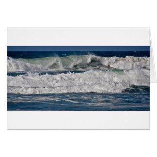 Cartão Surf do outono na praia de Horsfall