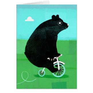 Cartão Urso em uma bicicleta