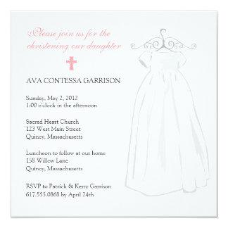 Cartão Vestido do batismo e cruz cor-de-rosa