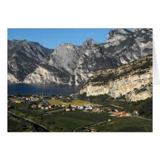 Cartão Vista das montanhas da dolomite em Italia do norte