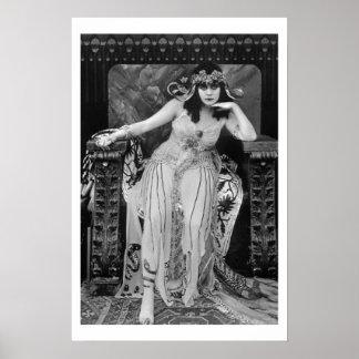 Cartaz cinematográfico de Theda Bara Cleopatra B&W Poster