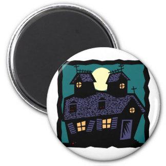 Casa assombrada na noite ímã redondo 5.08cm
