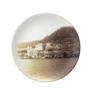 Casa de campo Balbianello de Como Italia do lago Prato De Porcelana