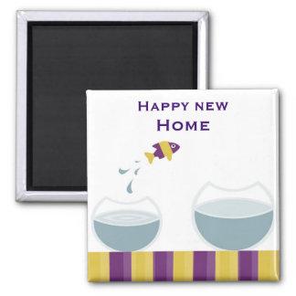 Casa nova feliz ímã quadrado