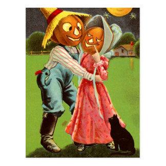 Casal do espantalho da Abóbora-Cabeça no amor Cartão Postal