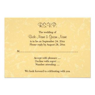 Casamento amarelo e preto com teste padrão subtil convite personalizados