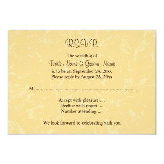 Casamento amarelo e preto com teste padrão subtil convite 8.89 x 12.7cm