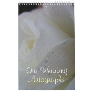 Casamento branco da pétala cor-de-rosa calendário