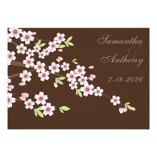 Casamento castanho chocolate e da flor de cerejeir convites