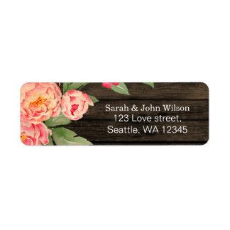 Casamento de madeira do celeiro rústico da peônia etiqueta endereço de retorno