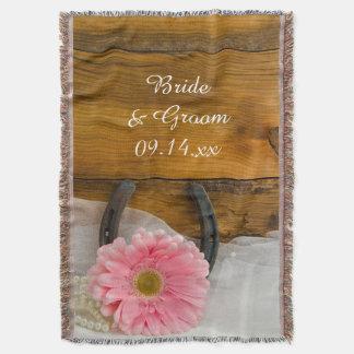 Casamento ocidental cor-de-rosa do país da manta