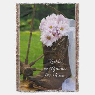 Casamento ocidental cor-de-rosa rústico das botas coberta