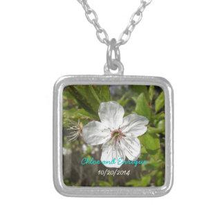 Casamento personalizado flor da flor branca colar banhado a prata